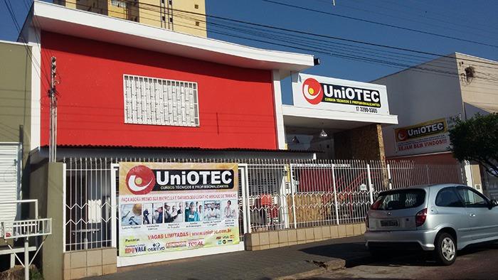 Uniotec-fachada